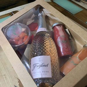 Kind Juices Prosecco Breakfast Box